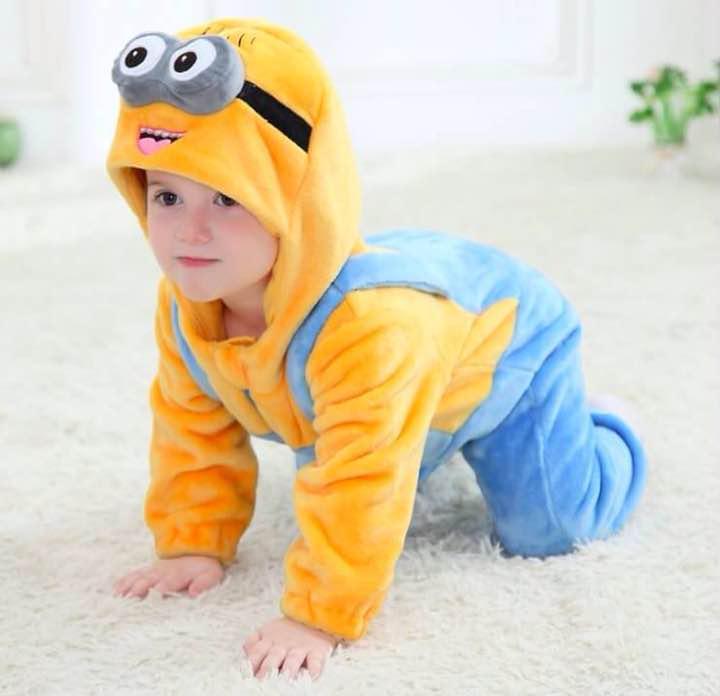 ミニオン 着ぐるみ 子供