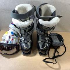 "Thumbnail of ""スノーボード靴と4点セット"""