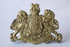 "Thumbnail of ""金属製 古いイギリスの紋章の置物 / エンブレム インテリア 置き物 置物"""