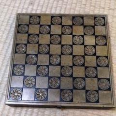 """Thumbnail of """"手掘り 石でできたチェス盤"""""""