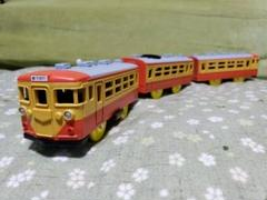 "Thumbnail of ""プラレール 急行電車 修学旅行用色に塗り替えました。"""
