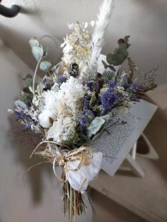 """Thumbnail of """"白い紫陽花とブルーの小花ロマンチックスワッグ大きなサイズ"""""""