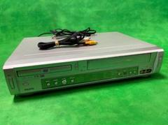 "Thumbnail of ""SANYO DVDプレイヤー一体型ビデオデッキ VZ-DV2G 2004年製"""