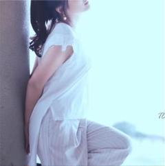 "Thumbnail of ""変形 Tシャツ"""