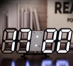 """Thumbnail of """"注目の品‼インテリアとしての時計♡黒ぶち白い光♡立体時計"""""""