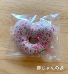 """Thumbnail of """"ガラガラ 花柄 赤ちゃんの城"""""""