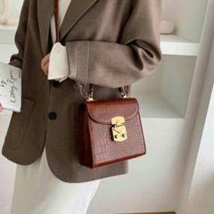 "Thumbnail of ""韓国のレトロな小型のワニのバッグハンドバッグ新しい2020年の赤は、$"""