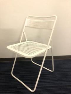 "Thumbnail of ""パンチングメタルの折り畳み椅子"""