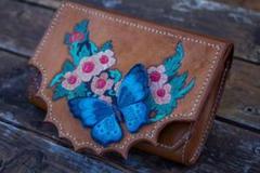 "Thumbnail of ""蝶の花のツーリング革の彫刻の女性の財布‼️"""