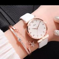 """Thumbnail of """"レディースカジュアルレザークォーツ腕時計と花レディースブレスレットのセット[白]"""""""