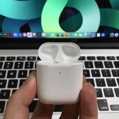 "Thumbnail of ""エアーポッズ 第二世代充電ケース 第2AirPods充電器 Apple国内純正品"""