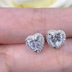『超人気新品』トップクラスのプラチナピアス1.0 ctダイヤモンドピアス4のサムネイル