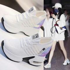 """Thumbnail of """"女の人は背を高くして白い靴厚底はやせて見える運働のお父さんの靴0"""""""