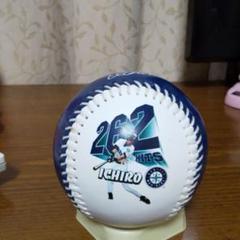 """Thumbnail of """"2004年発売イチロー262安打記念ボール"""""""