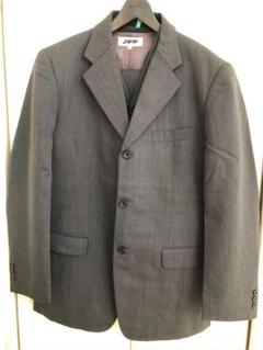 "Thumbnail of ""JUN MENの3ピース3ボタンのスーツ"""