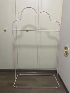 "Thumbnail of ""【セール】雲のカタチ スタンドハンガー・ピンク"""