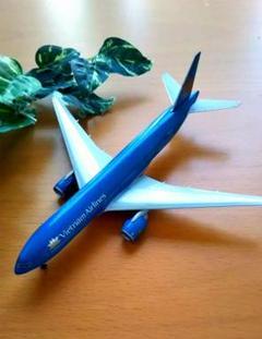 """Thumbnail of """"最終値下げ! ベトナム航空 B777ー200ER 飛行機 航空機"""""""