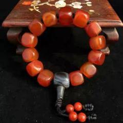 """Thumbnail of """"チベットの天然の唐八稜の赤い瑪瑙のチェーンブレスレットの珠柿は赤いです。"""""""