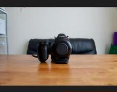 "Thumbnail of ""Canon EOS C100 業務用 シネマカメラ + 専用ハードケース"""