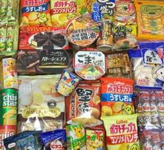 """Thumbnail of """"カップ麺&お菓子詰め合わせ ガトーショコラ じゃがりこ ポテチ ラーメン 限定"""""""
