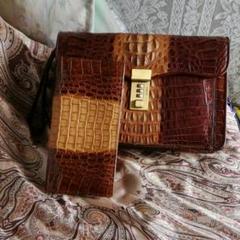 "Thumbnail of ""ワニ皮、バアツクと、ワニ皮、財布、レヤナ品物を、出品。"""