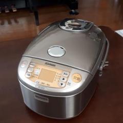 "Thumbnail of ""お値下げしました!。象印炊飯器 圧力IH NP-HZ10"""