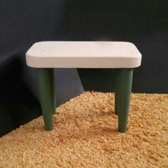 """Thumbnail of """"木製の小さいテーブル"""""""