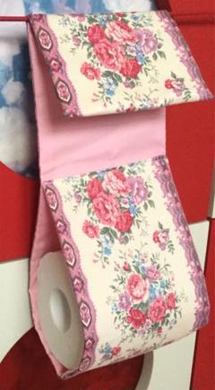 "Thumbnail of ""薔薇柄 バラ柄 トイレットペーパーホルダーカバー トイレ用品 トイレグッズ"""