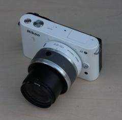 "Thumbnail of ""Nikon Nikon1 J2 付属品多数で、オマケレンズ付き"""