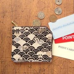 "Thumbnail of ""コインケース*猫と波と鯛・黒a*ラミネート生地2ポケット財布・カードケース"""