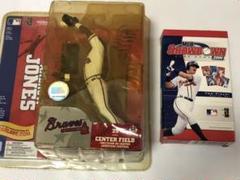 "Thumbnail of ""野球 MLB アンドリュー・ジョーンズ フィギュアとカードゲーム"""