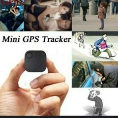 "Thumbnail of ""新品 未使用 小型 GPS 黒 32"""