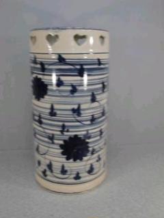 "Thumbnail of ""送料無料!陶器製、傘立て。ハートが可愛い!幻想的雰囲気、小難あり8-9"""