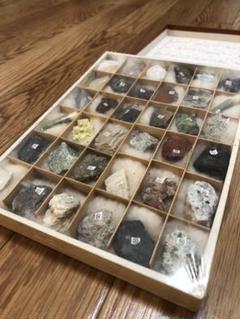 """Thumbnail of """"地下資源 研究資料 鉱物岩石標本♪"""""""
