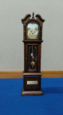 "Thumbnail of ""木製 時計型 オルゴール"""