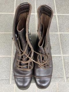 "Thumbnail of ""ブーツ 茶色 古い靴"""