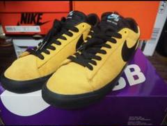 Nike sb zoom blazer low gt gold red us9