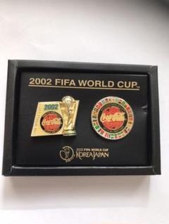 """Thumbnail of """"2002FIFAワールドカップ コカコーラピンバッジ"""""""