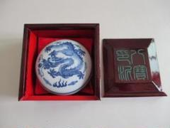 "Thumbnail of ""印泥 州八宝印泥 木箱付 乾隆年製陶器(径8.3cm)"""