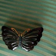 "Thumbnail of ""本鼈甲の髪止め、蝶々の体や触覚には螺鈿が施して有る美しい髪止めです。"""