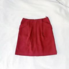 "Thumbnail of ""深い赤のミニタイトスカート"""