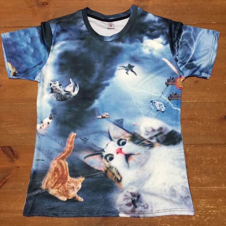 メルカリ 猫tシャツ Lサイズ相当 リアルなイラスト 即購入大歓迎 T