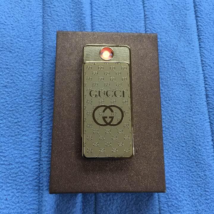 d01cd78ae914 メルカリ - GUCCI グッチ USB充電式 電子ライター 【タバコグッズ ...
