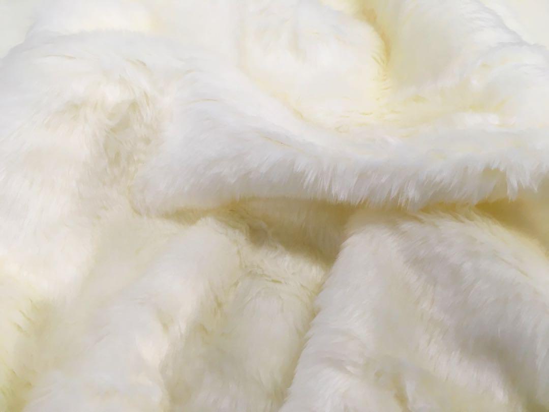[W,1,5]白いフェイクファー / 縦長の大きいハギレ 55×75(¥999) , メルカリ スマホでかんたん フリマアプリ