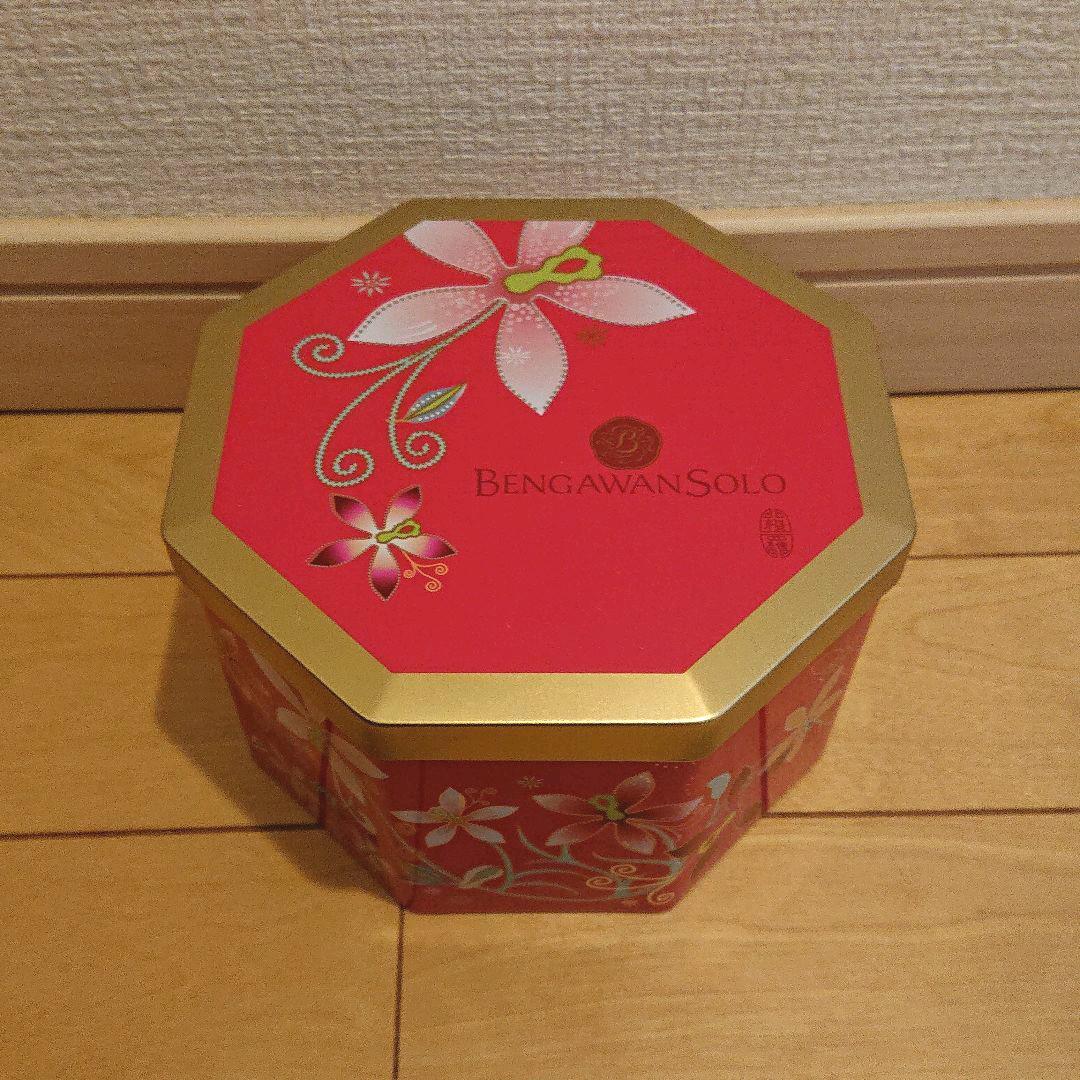 メルカリ - BENGAWANSOLO ブンガワンソロ クッキー空き缶 【小物入れ ...