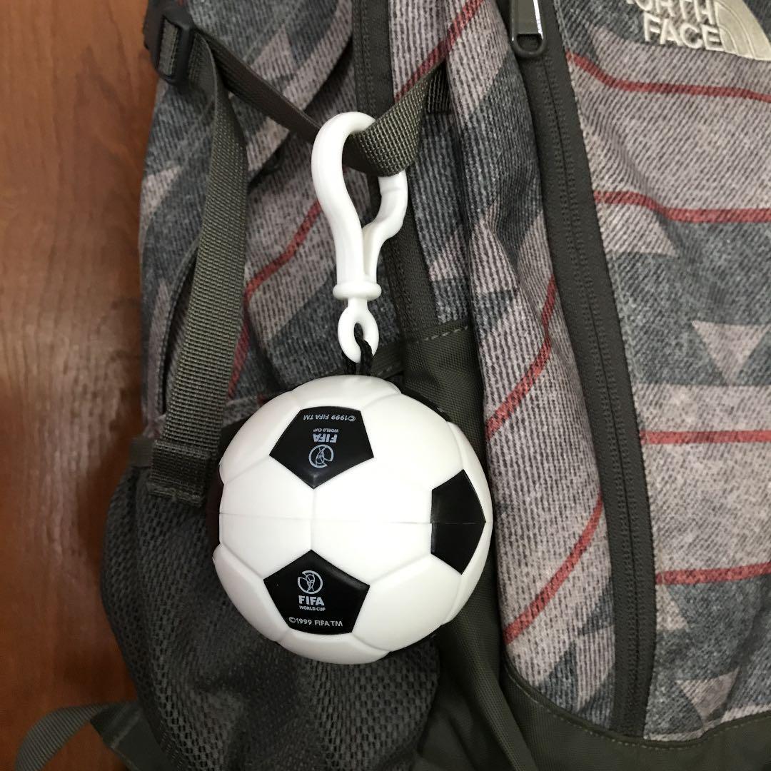 メルカリ - 1999 FIFA ワールドカップ ポンチョ3枚 入れ物1個オマケ ...