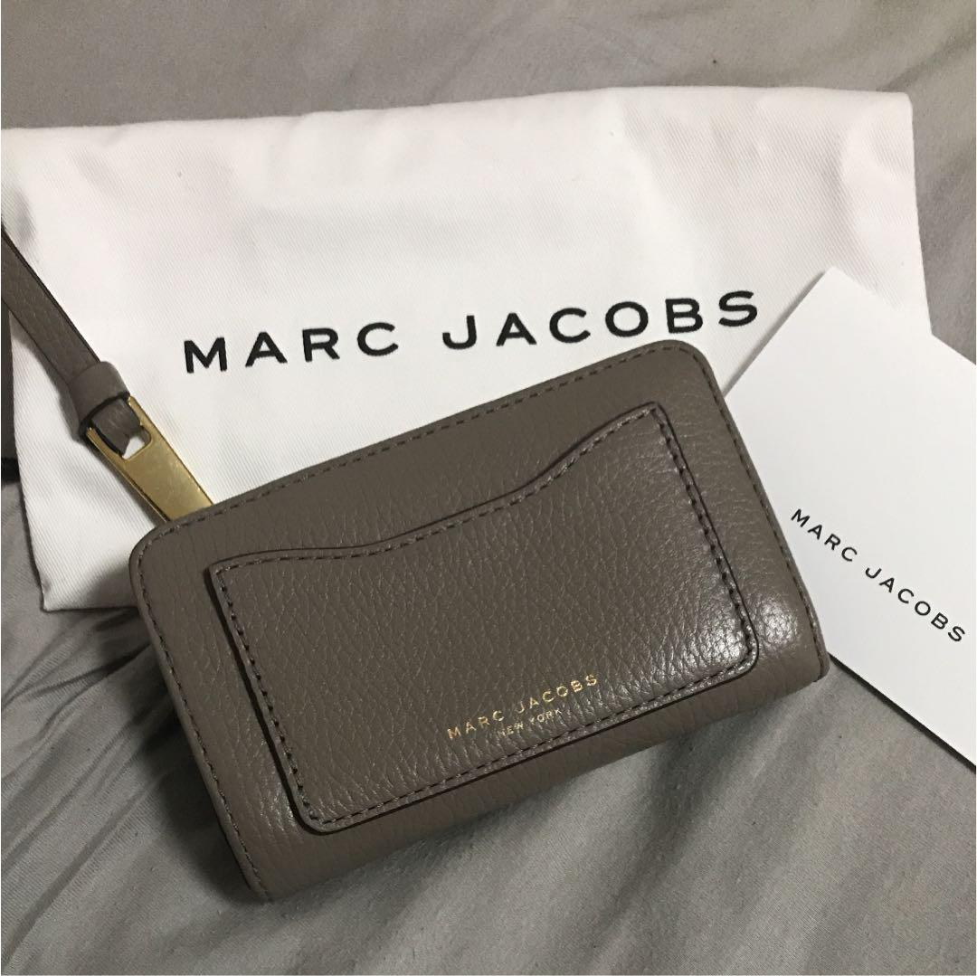 c28c6b8a1cd1 メルカリ - MARC JACOBS 二つ折り財布 【マーク ジェイコブス】 (¥8,999 ...