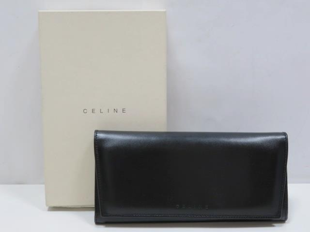 e6fc9ef2d468 メルカリ - CELINE セリーヌ レザー 二つ折り財布 ブラック/シルバー ...