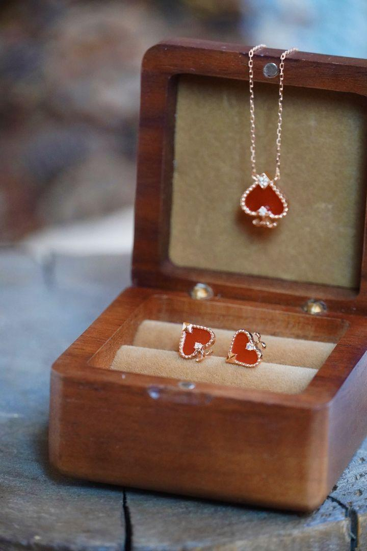 天然ダイヤモンド付きメノウネックレスピアスセットk18