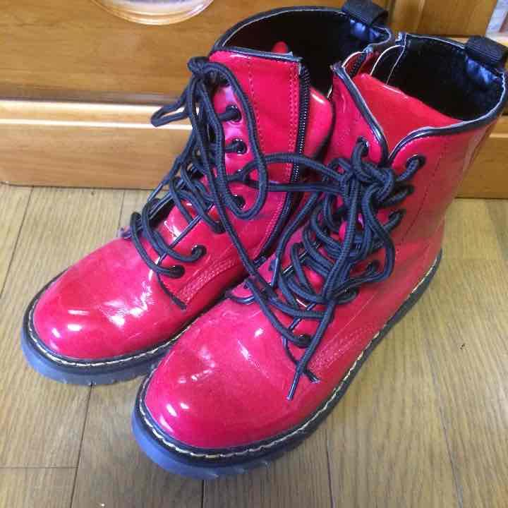 ドクターマーチン風 Dr.Martens風 赤 ブーツ スニーカー 雨(¥1,899) , メルカリ スマホでかんたん フリマアプリ